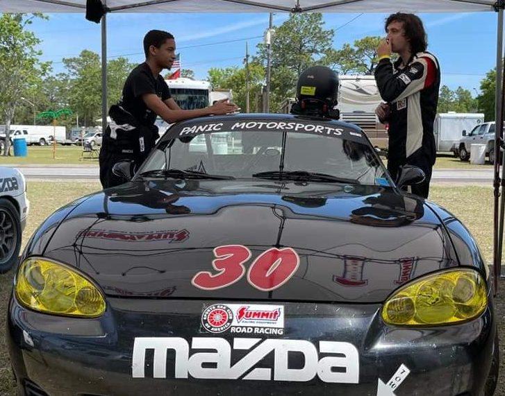 Spec Miata racing at Roebling Road Racing
